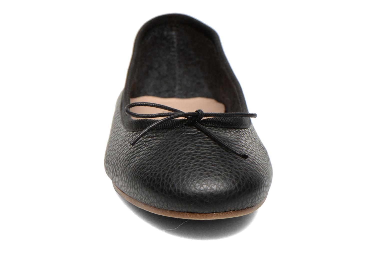Ballerines COSMOPARIS Palia Noir vue portées chaussures