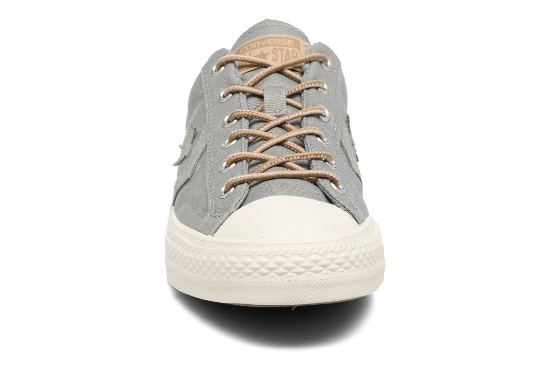 Sneaker Converse Star Player Workwear Ox M grün schuhe getragen