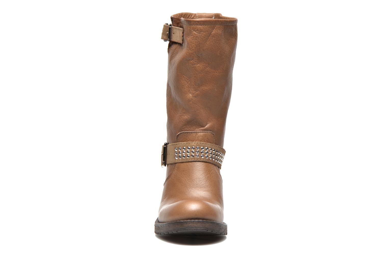 Boots Georgia Rose Martine Brun bild av skorna på