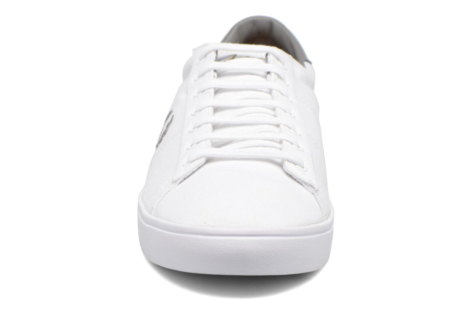 Baskets Fred Perry Spencer Canvas Blanc vue portées chaussures