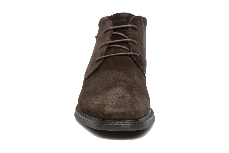 Chaussures à lacets Geox U BRAYDEN 2FIT ABX D U54N1D Marron vue portées chaussures
