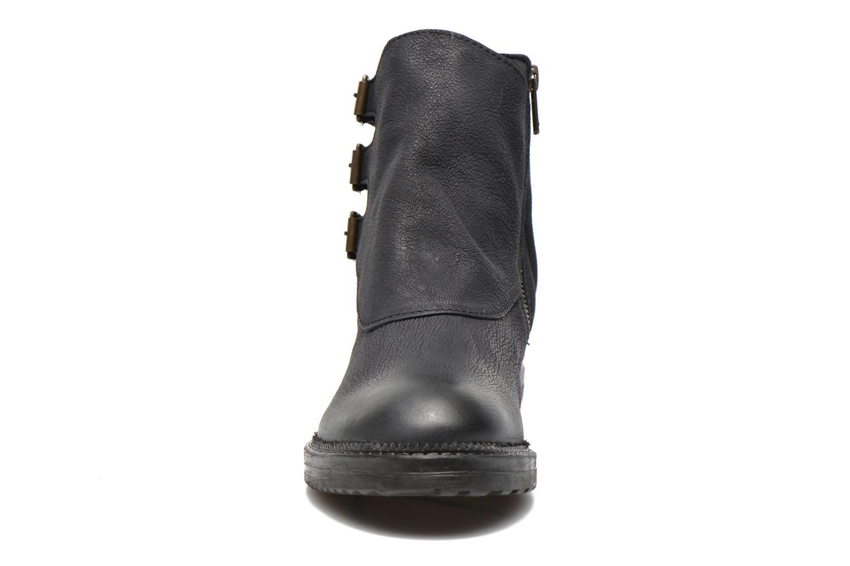 Bottines et boots Kickers Rouille Noir vue portées chaussures