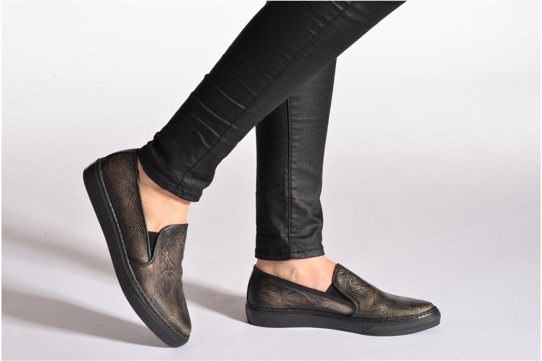 Sneaker Bronx Fiama schwarz ansicht von unten / tasche getragen