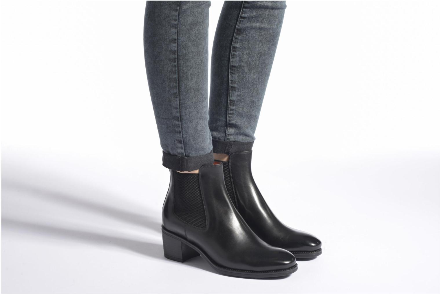 Ankle boots Santoni Funny 52617 Black view from underneath / model view