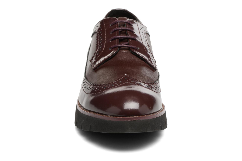 Chaussures à lacets Geox D BLENDA C D540BC Bordeaux vue portées chaussures