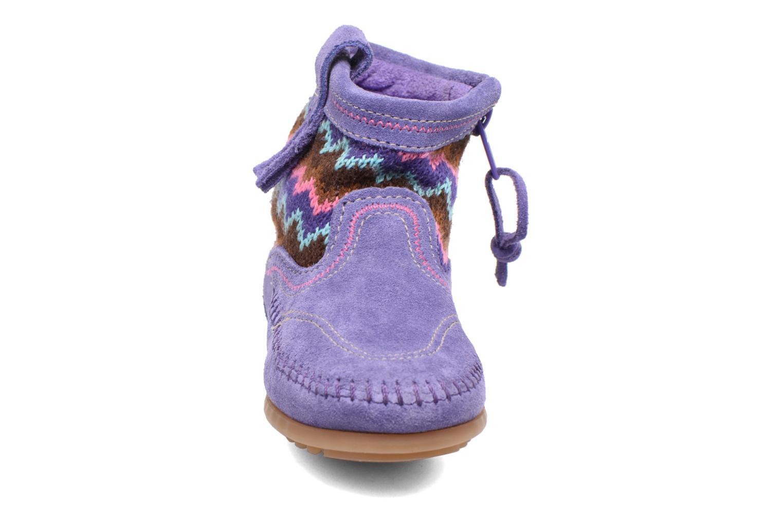 Botines  Minnetonka Aspen Boot Violeta      vista del modelo