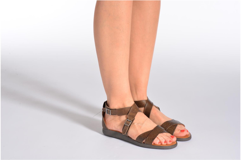 Sandales et nu-pieds Kickers Hycross Marron vue bas / vue portée sac