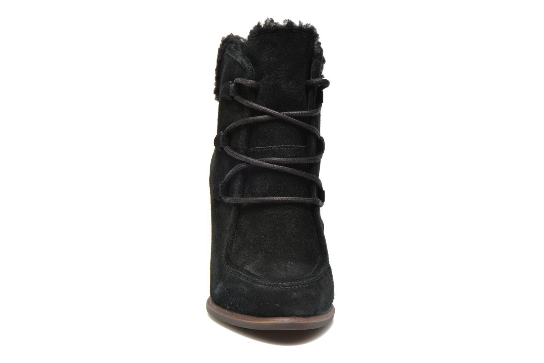 Bottines et boots UGG Analise Noir vue portées chaussures