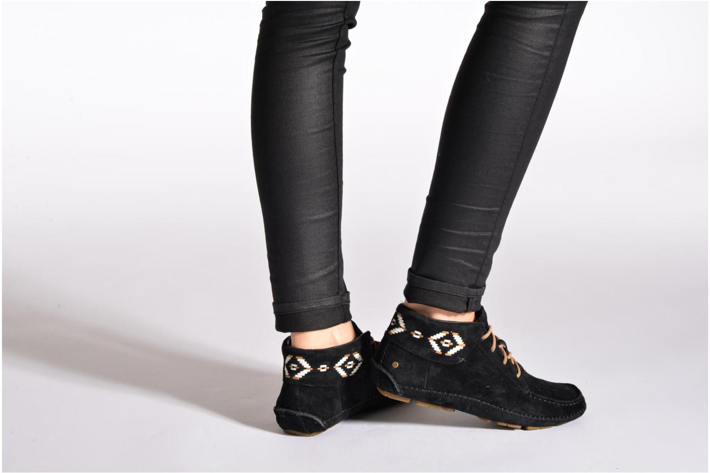 Chaussures à lacets UGG Chaunce Rustic Weave Marron vue bas / vue portée sac
