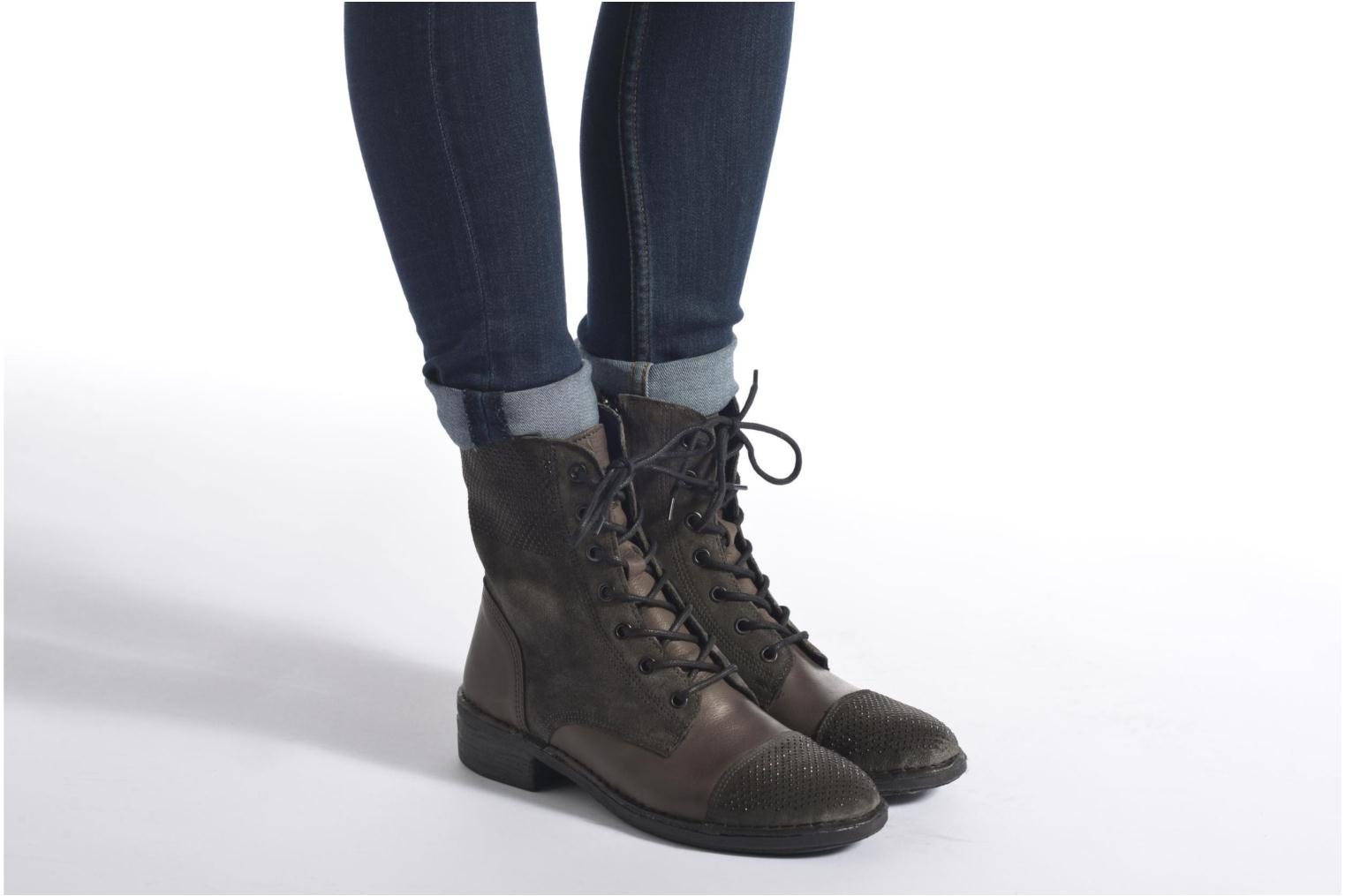 Ankle boots Khrio Sylvia Black view from underneath / model view