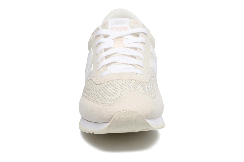 Baskets New Balance CW620 Blanc vue portées chaussures