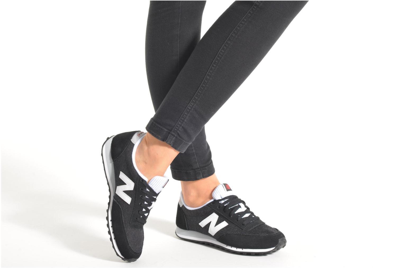 Sneaker New Balance WL410 blau ansicht von unten / tasche getragen