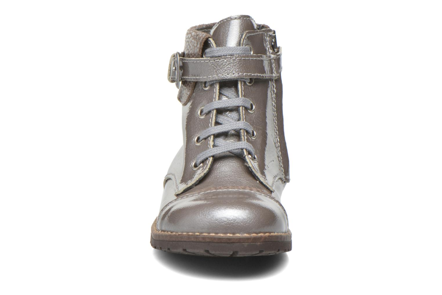 Botines  Little Mary Tresor Gris vista del modelo