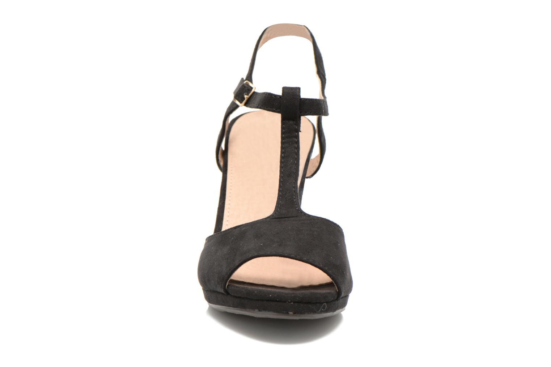 Sandals Refresh Wanita Black model view