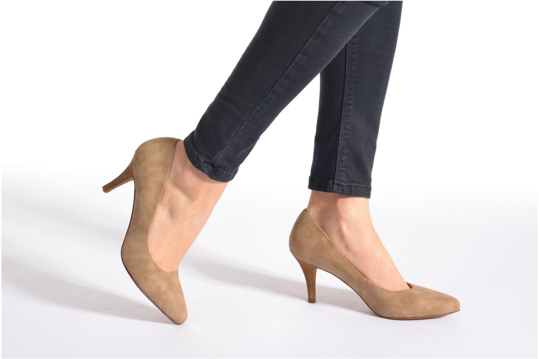 High heels Esprit Rossy Pump Brown view from underneath / model view
