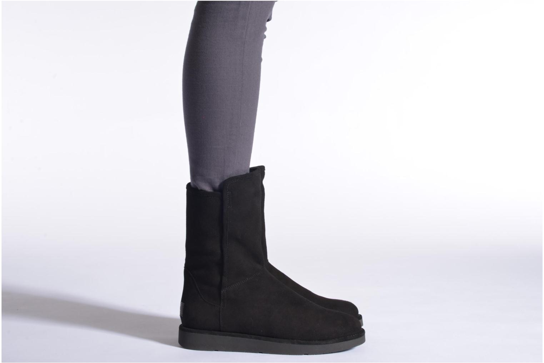 Bottines et boots UGG Abree Short Noir vue bas / vue portée sac