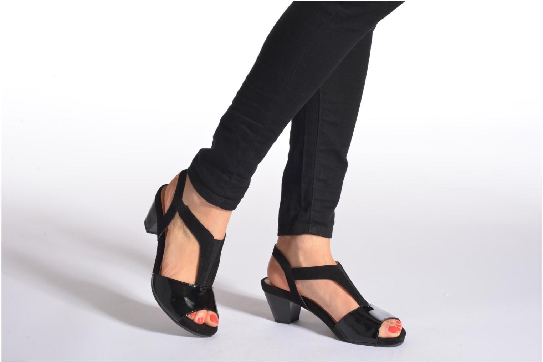 Sandales et nu-pieds Caprice Comoca Beige vue bas / vue portée sac