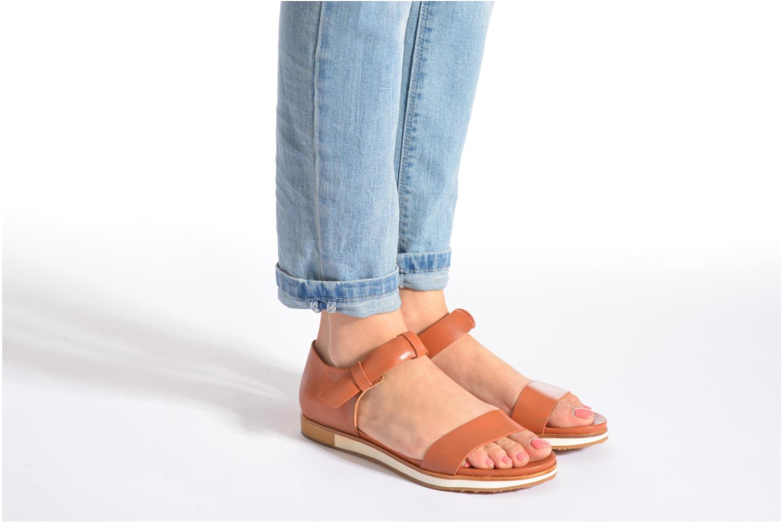 Sandalen Neosens Cortese S502 braun ansicht von unten / tasche getragen