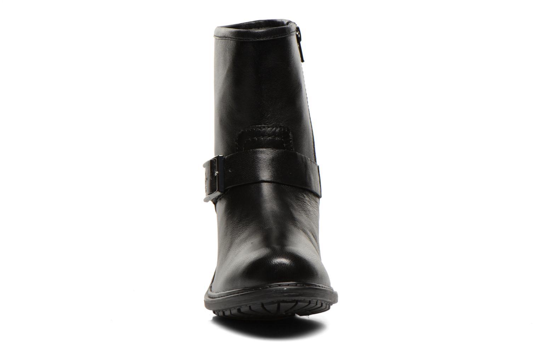 Carnaby Noir noir