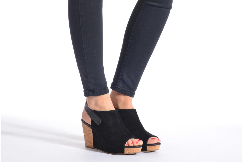 Sandales et nu-pieds Shoe the bear Cindy 2 Noir vue bas / vue portée sac