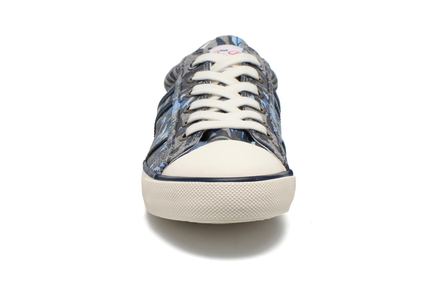 Trainers Pepe jeans Serthi Flowers Grey model view