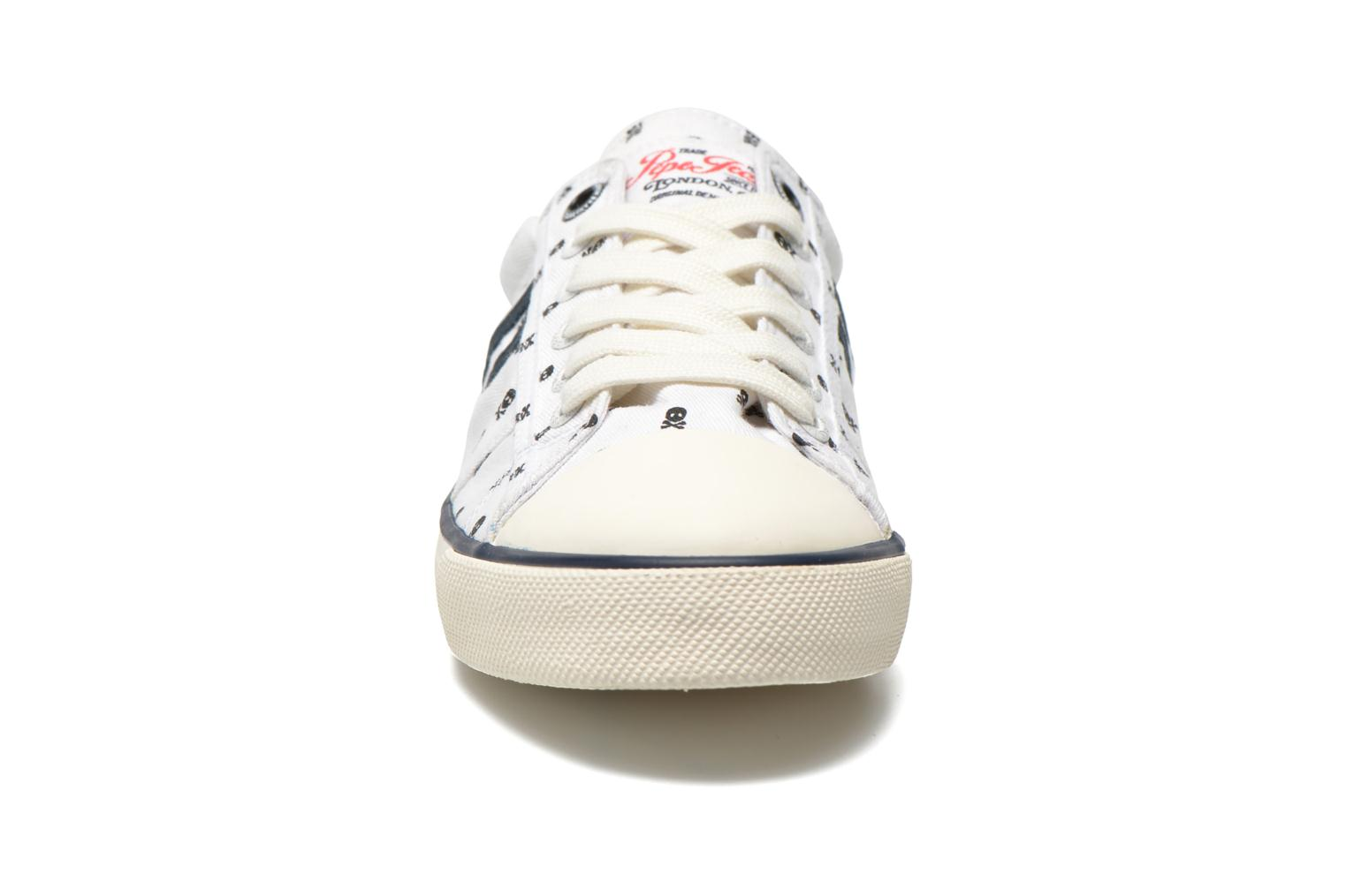 Baskets Pepe jeans Serthi Skulls Blanc vue portées chaussures