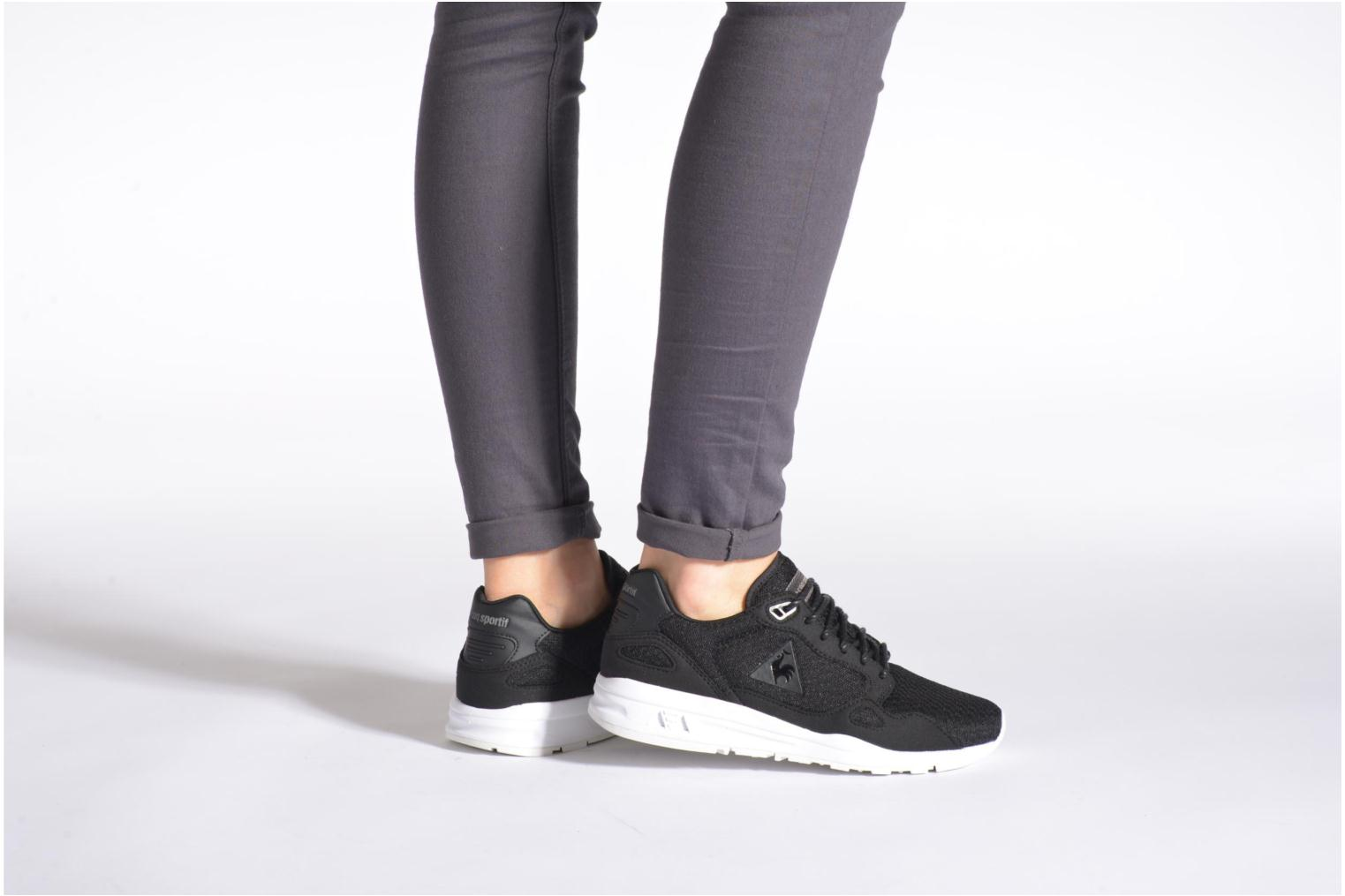 Trainers Le Coq Sportif LCS R900 W Feminine Mesh Black view from underneath / model view