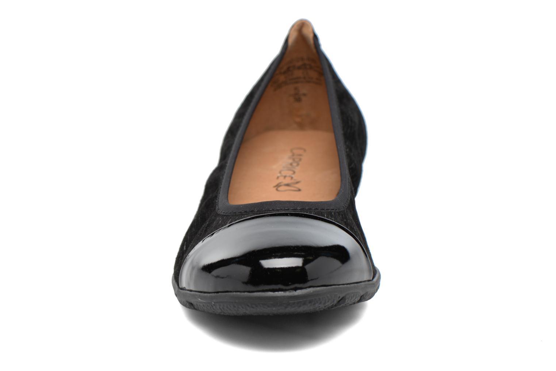 Ballerines Caprice Vivian Noir vue portées chaussures