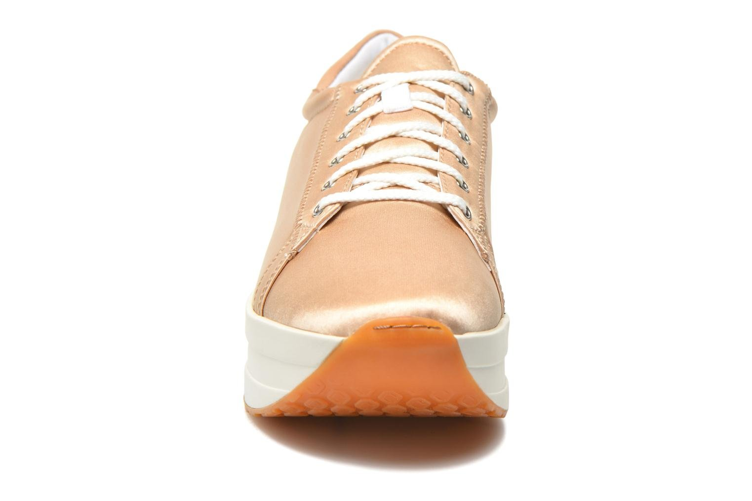 Sneakers Vagabond Shoemakers Casey 4322-085 Beige modello indossato
