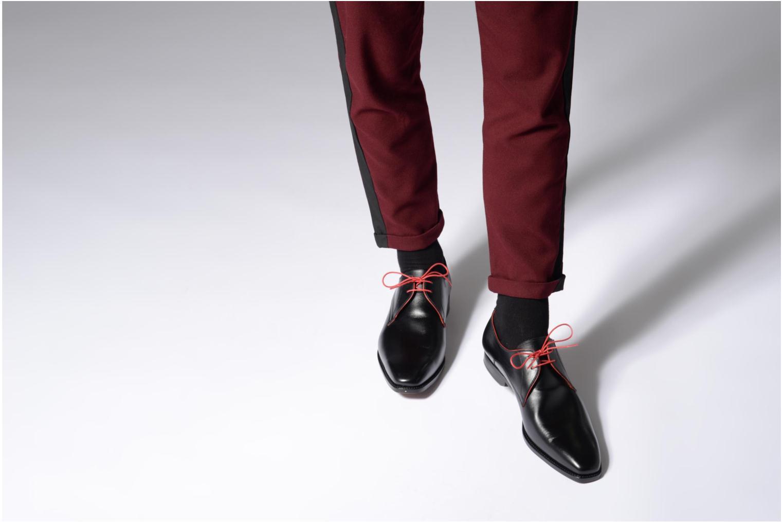 Chaussures à lacets Marvin&Co Luxe Welid - Cousu Blake Noir vue bas / vue portée sac
