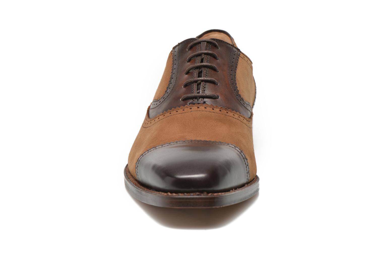 Snörade skor Marvin&Co Luxe Witold Brun bild av skorna på