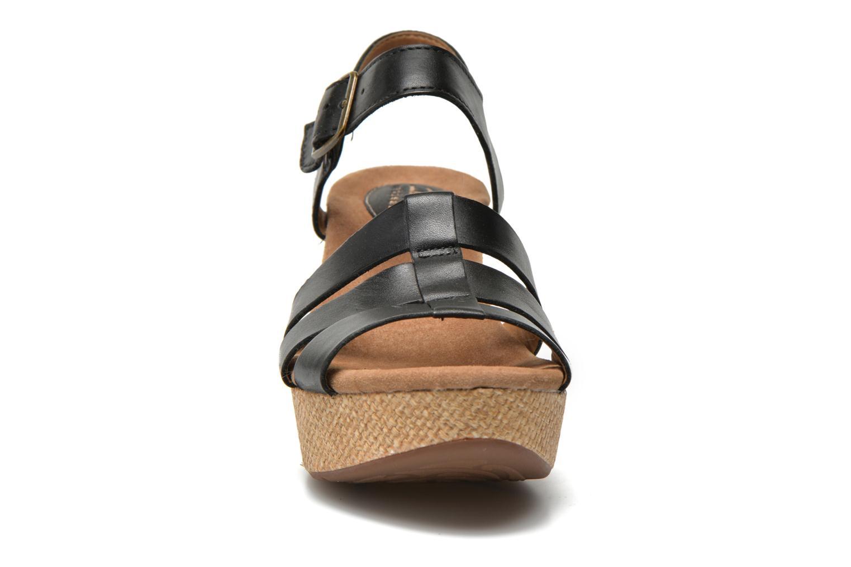 Sandales et nu-pieds Clarks Caslynn Harp Noir vue portées chaussures