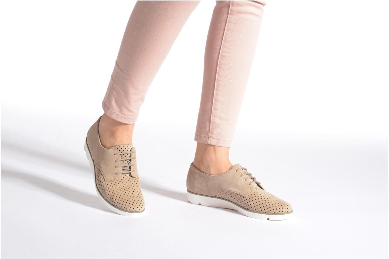 Chaussures à lacets Clarks Evie Bow Bleu vue bas / vue portée sac