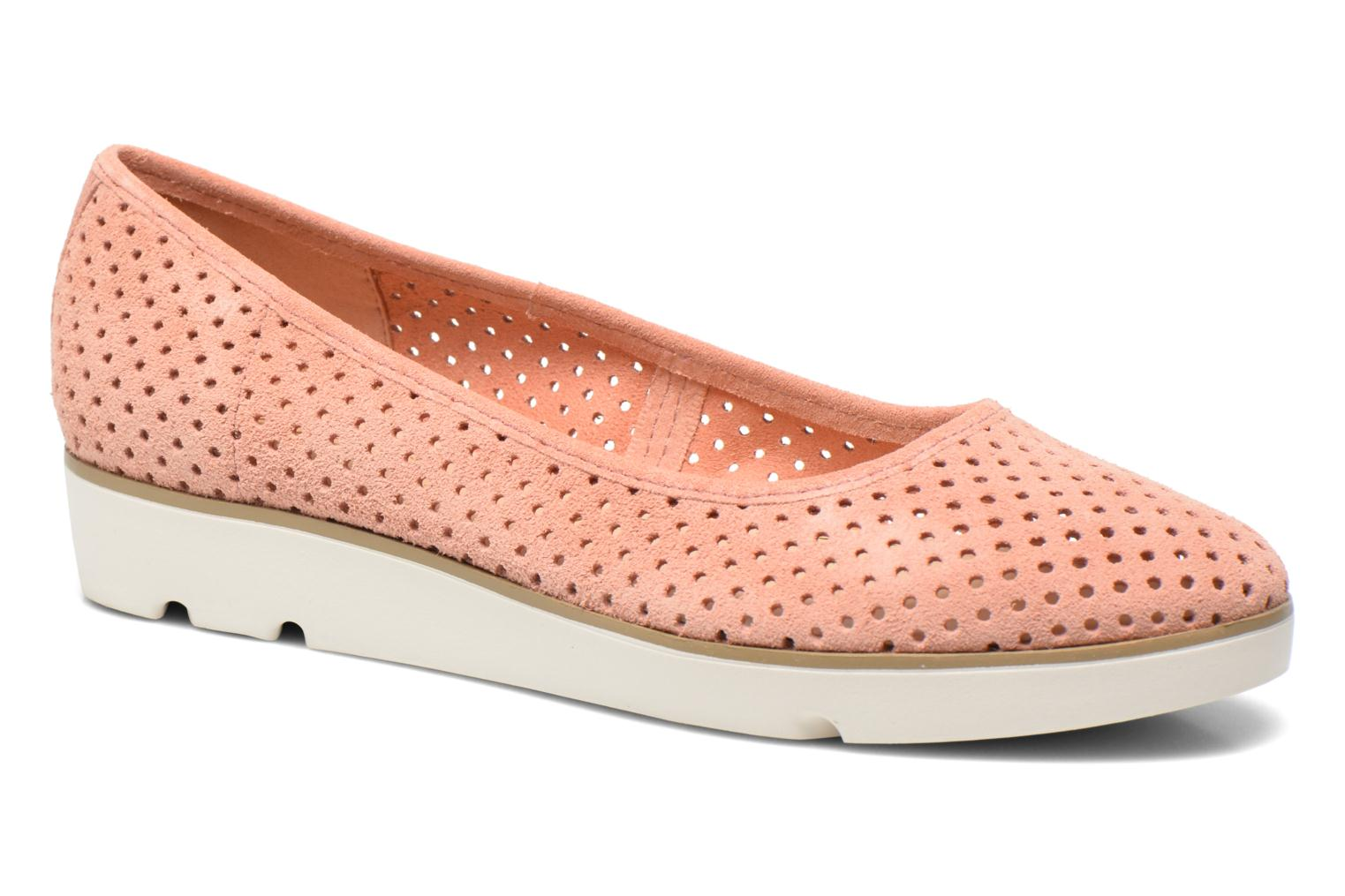 Ballet pumps Clarks Evie Buzz Pink detailed view/ Pair view