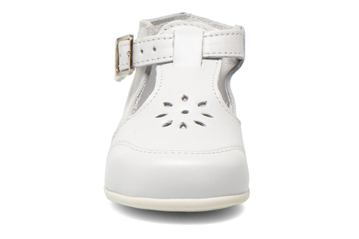 Summer boots Bopy Poumbo White model view