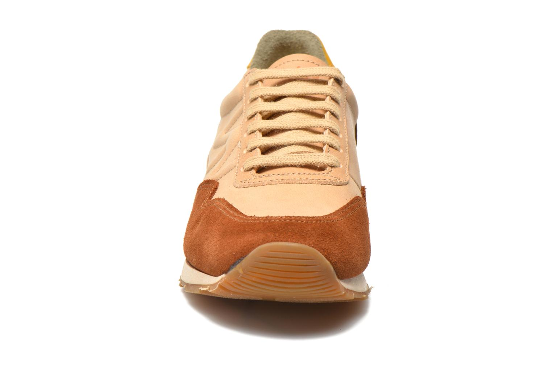 Baskets El Naturalista Walky ND90 Beige vue portées chaussures