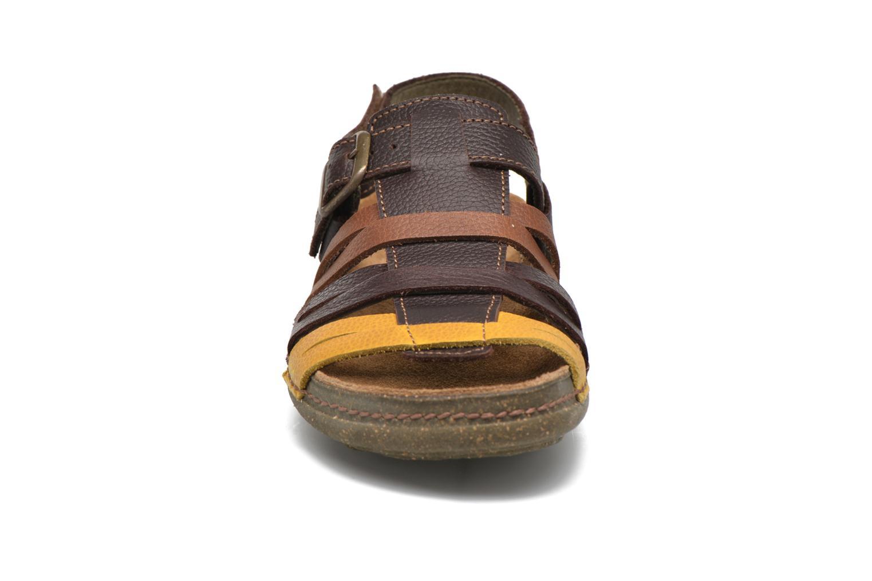 Sandales et nu-pieds El Naturalista Torcal N337 Marron vue portées chaussures