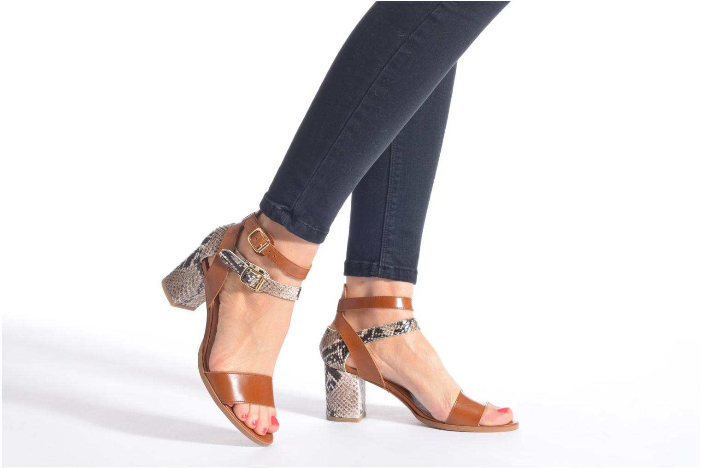 Sandalen Made by SARENZA Discow Girl #3 braun ansicht von unten / tasche getragen