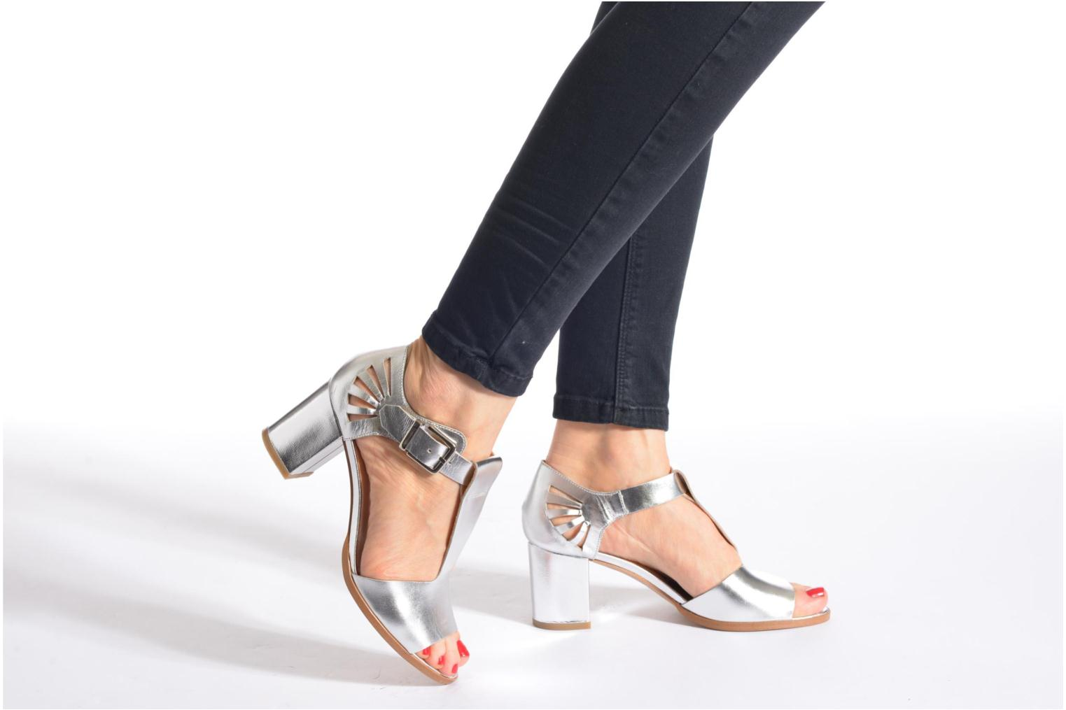 Sandals Made by SARENZA Square Simone#4 Silver view from underneath / model view