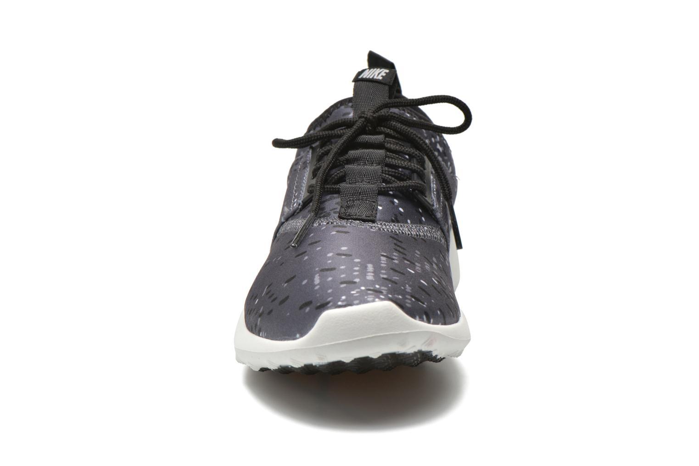Baskets Nike Wmns Nike Juvenate Print Gris vue portées chaussures