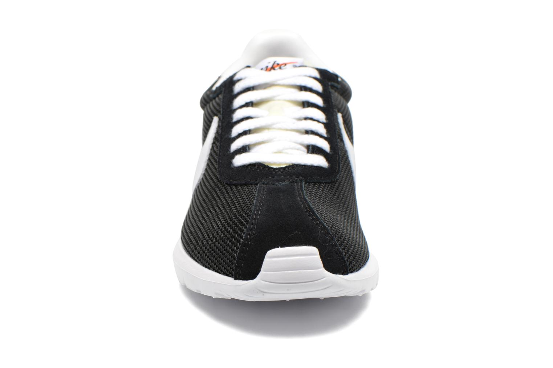 Deportivas Nike Nike Roshe Ld-1000 Qs Negro vista del modelo