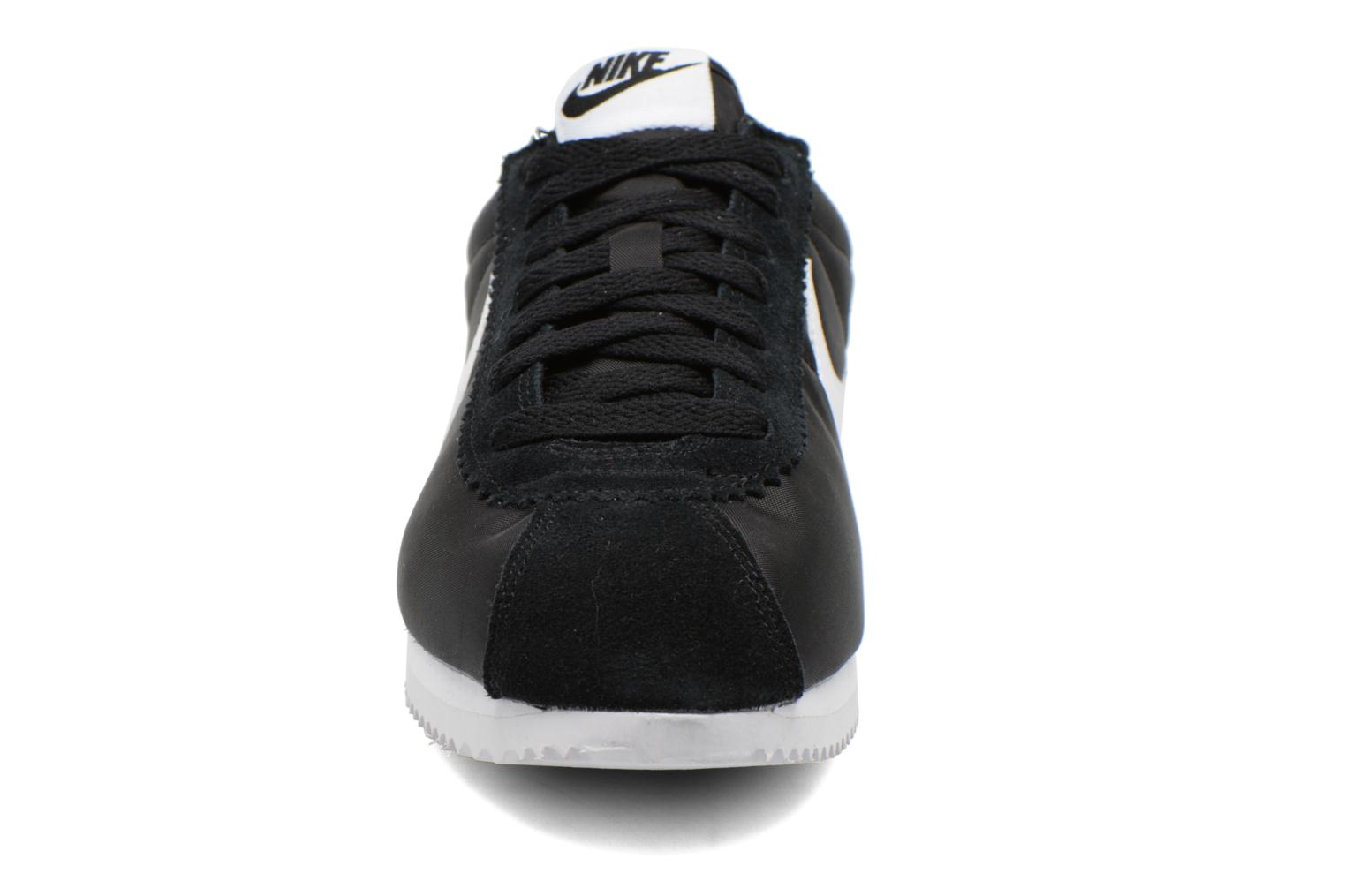 Trainers Nike Classic Cortez Nylon Black model view
