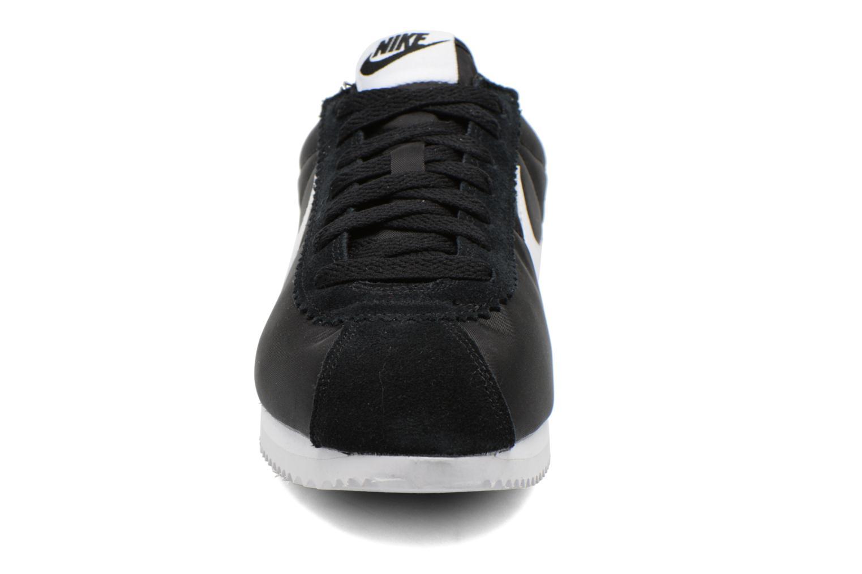 Sneaker Nike Classic Cortez Nylon schwarz schuhe getragen