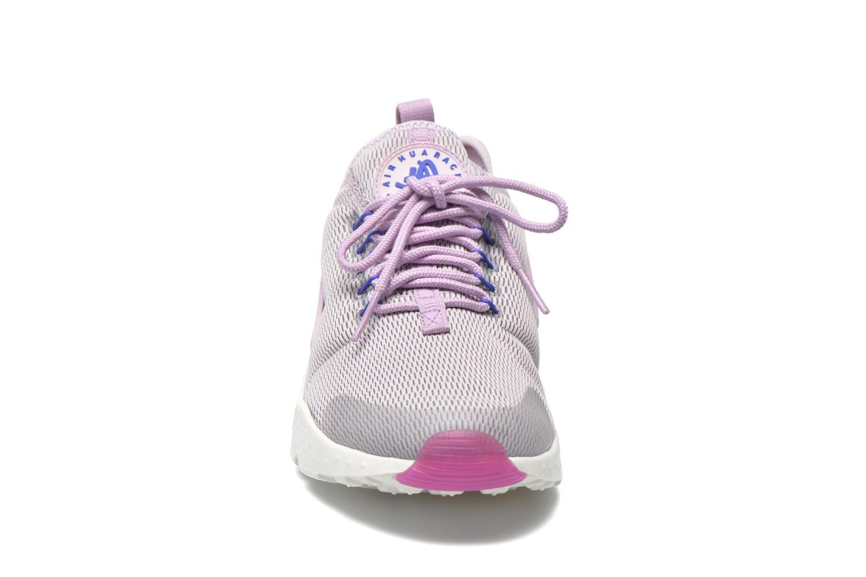 Baskets Nike W Air Huarache Run Ultra Violet vue portées chaussures