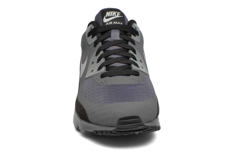 Baskets Nike Air Max 90 Ultra Essential Gris vue portées chaussures