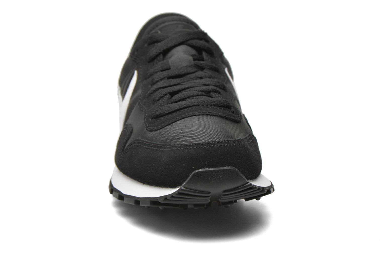Trainers Nike Nike Air Pegasus 83 Black model view