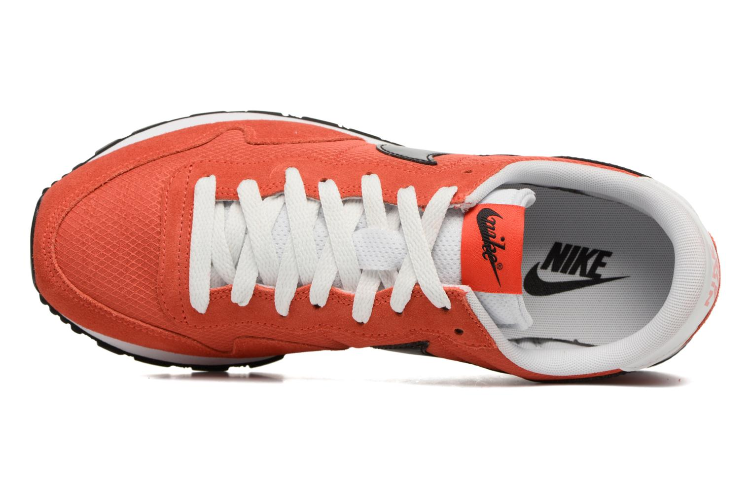 Trainers Nike Nike Air Pegasus 83 Orange view from the left