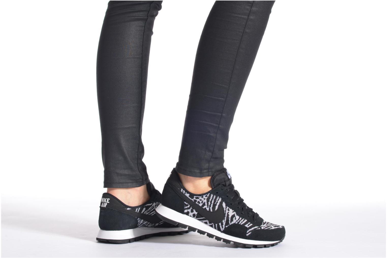 Sneaker Nike W Nike Air Pegasus '83 Jcrd schwarz ansicht von unten / tasche getragen