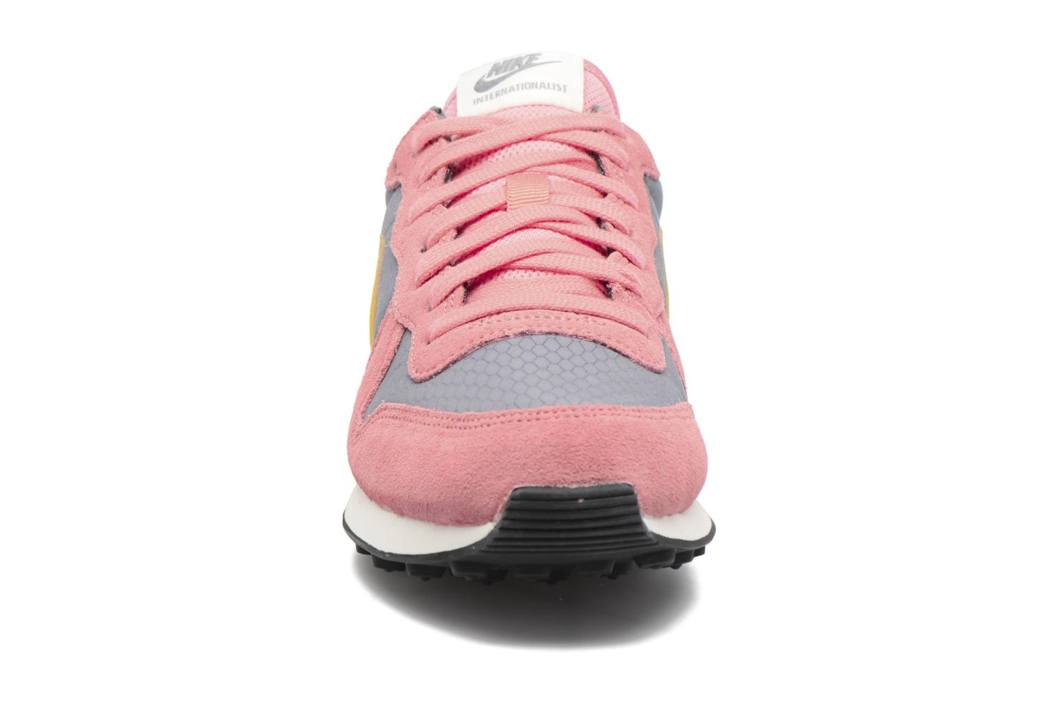 Sneakers Nike Wmns Internationalist Pink se skoene på