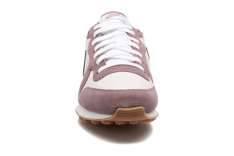 Sneakers Nike Wmns Internationalist Lilla se skoene på